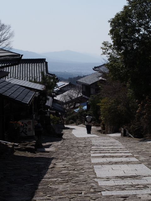 木曽馬籠宿,江戸の旅人の足跡を辿って / Magome-juku, post town of an ancient road, paved with stones