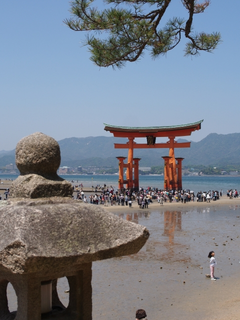 P5050055 信仰の地・厳島 / Itsukushima, the Shrine Island